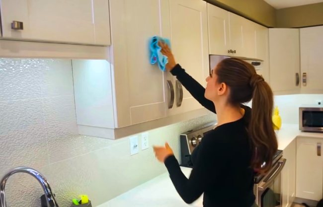 Top 9 Best Kitchen Cabinet Cleaners, How To Properly Clean Kitchen Cabinets